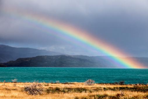 虹「Chile, Torres del Paine National Park, Lake Pehoe」:スマホ壁紙(6)