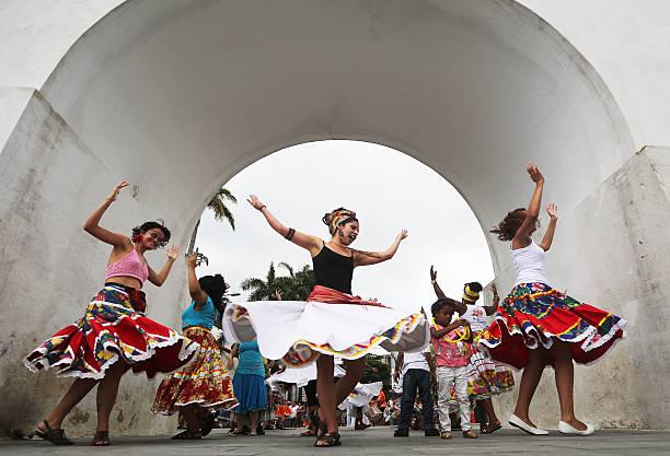 Rio De Janeiro Musicians Begin Pre-Carnival Street Practice:ニュース(壁紙.com)