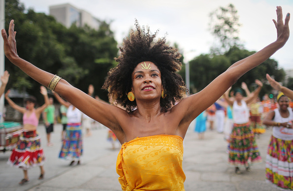 Rio「Rio De Janeiro Musicians Begin Pre-Carnival Street Practice」:写真・画像(17)[壁紙.com]