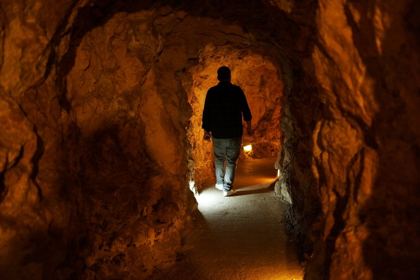 Tunnel「Hezbollah War Museum Operates On Former Base For Fighters」:写真・画像(17)[壁紙.com]