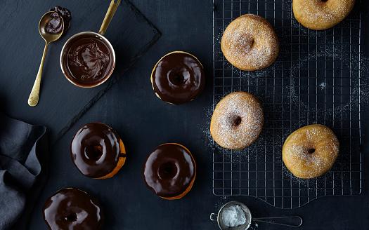 チョコレート「ドーナツのオーバーヘッド」:スマホ壁紙(4)