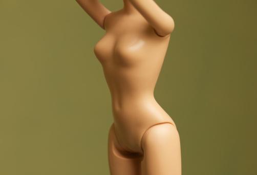 Fashion Doll「mid section shot of fashion doll body」:スマホ壁紙(10)