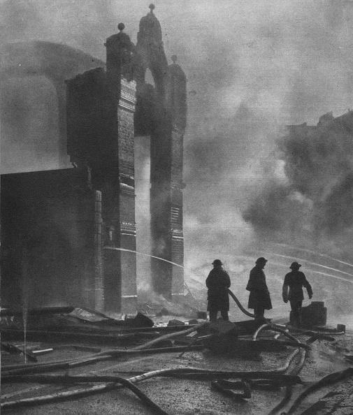 Damaged「And the heat of Battle., 1941 (1942)」:写真・画像(5)[壁紙.com]