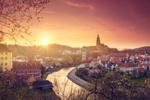 Vltava River「Sunrise in Cesky Krumlov」:スマホ壁紙(12)