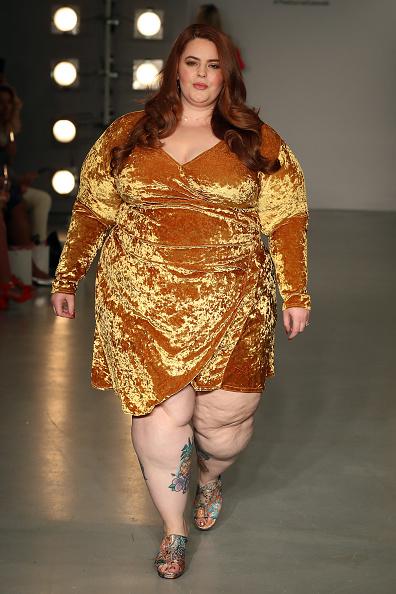 ロンドンファッションウィーク「SimplyBe 'Curve Catwalk' During London Fashion」:写真・画像(19)[壁紙.com]
