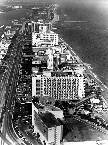 Miami Beach「Tourist Resort」:写真・画像(9)[壁紙.com]