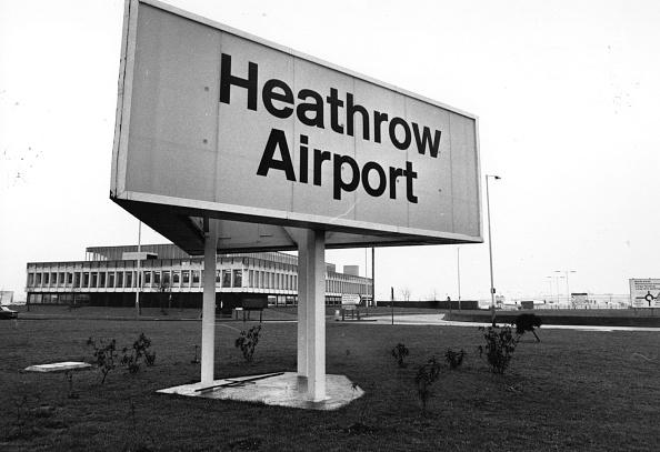 Heathrow Airport「Airport Sign」:写真・画像(6)[壁紙.com]