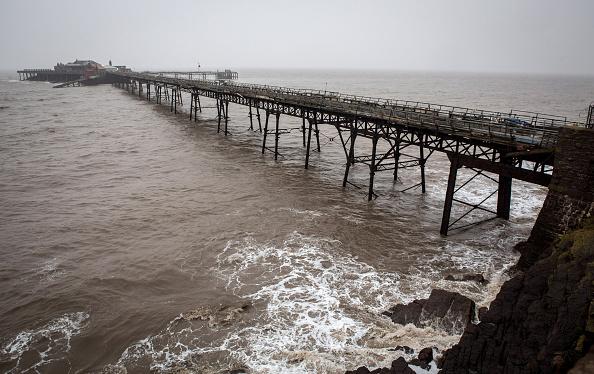 Weston-super-Mare「Weston-super-Mare's Derelict Birnbeck Pier To Be On The Verge Of Collapsing」:写真・画像(14)[壁紙.com]