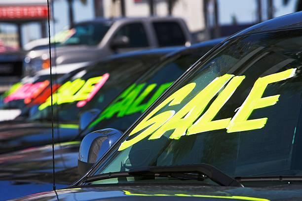 Cars with Sale on windshields:スマホ壁紙(壁紙.com)