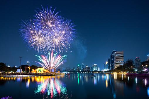 花火「Thailand, Bangkok, Firework festival」:スマホ壁紙(15)