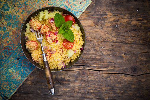 Onion「Taboule, Couscous Salad with tomato, cucumber, red onion and peppermint」:スマホ壁紙(1)