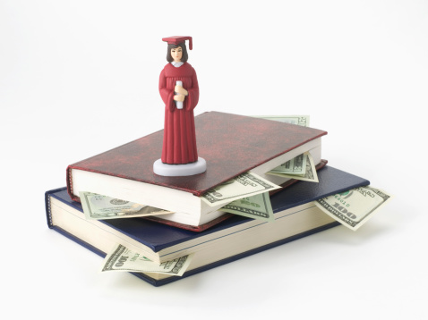 Graduation Gown「Stack of books and money, and graduation figurine」:スマホ壁紙(4)