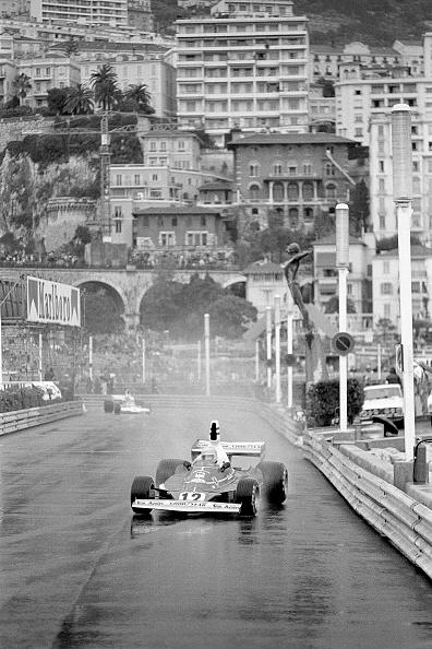 Formula One Grand Prix「Lauda In The Rain」:写真・画像(0)[壁紙.com]