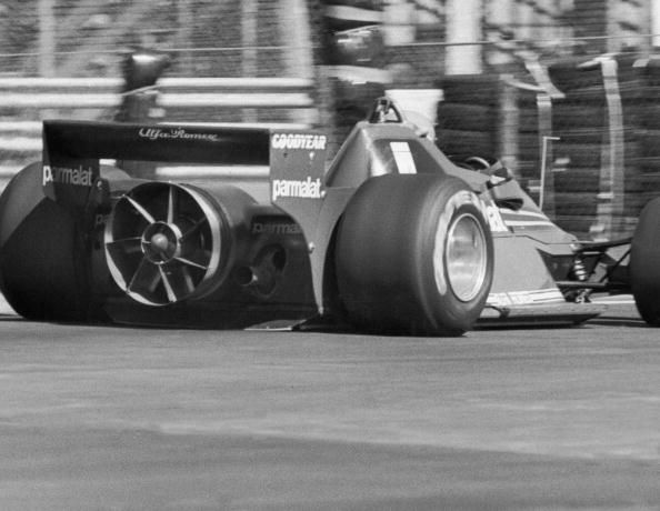 F1グランプリ「Fan Car」:写真・画像(6)[壁紙.com]