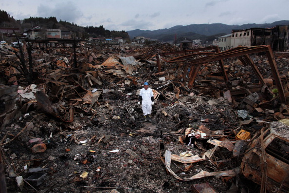 Tsunami「Japan Crisis Begins To Stabilise After Quake Disaster」:写真・画像(18)[壁紙.com]