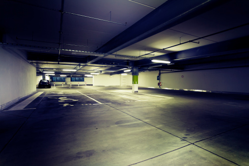 Unhygienic「Dark and dirty parking garage at night」:スマホ壁紙(9)