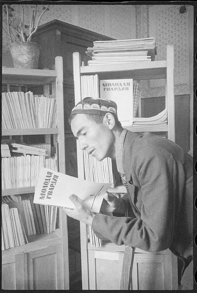 Max Penson「In A Library」:写真・画像(15)[壁紙.com]