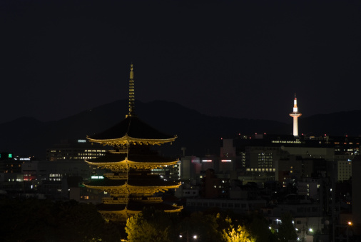 京都市「Toji Temple and Kyoto Tower, Kyoto, Japan」:スマホ壁紙(19)