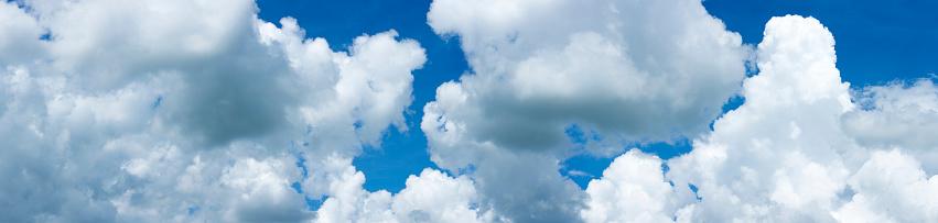 cloud「Clouds in a blue sky」:スマホ壁紙(16)
