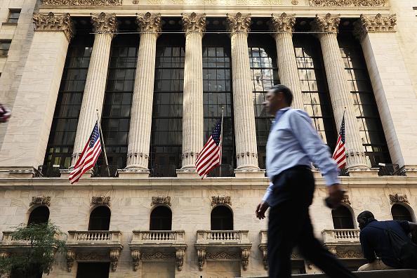 Economy「Dow Jones Industrial Average Closes In On 22,000 Mark」:写真・画像(1)[壁紙.com]