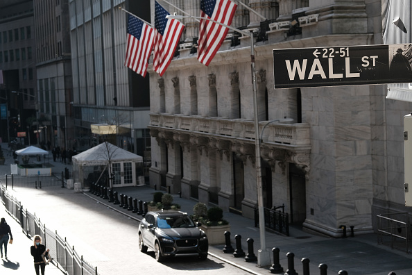 Corporate Business「Dow Jones Industrial Average Passes 30,000 For The First Time」:写真・画像(16)[壁紙.com]