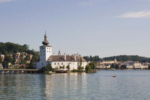 Austrian Culture「Austria, Gmunden, Lake Traunsee, Ort Castle on the waterfront」:スマホ壁紙(4)