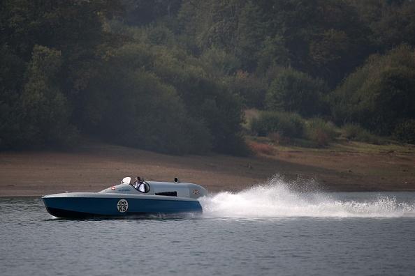 ヒューマンインタレスト「Test Run Of Powerboat Blue Bird K3 At Kent's Bewl Water」:写真・画像(5)[壁紙.com]