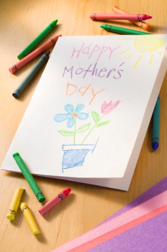 母の日「Crayons with Mother's Day card」:スマホ壁紙(2)