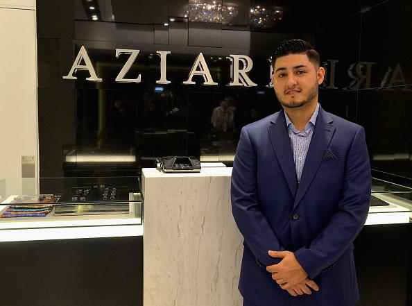 Gustavo Caballero「Aziari Store Opening」:写真・画像(13)[壁紙.com]