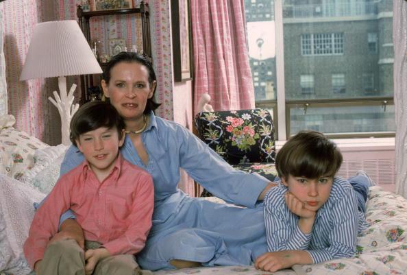 子供「Gloria Vanderbilt And Her Sons」:写真・画像(8)[壁紙.com]