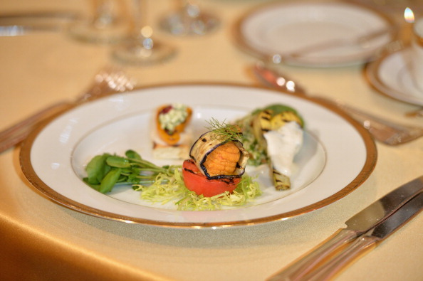 Meal「The Beverly Hilton Hosts The 71st Annual Golden Globe Awards Menu Preview」:写真・画像(10)[壁紙.com]