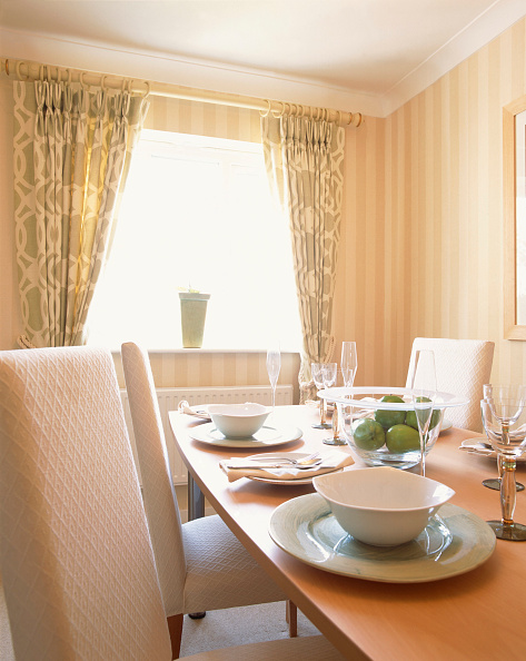 Dining Room「Private home, interior of a modern house.」:写真・画像(0)[壁紙.com]
