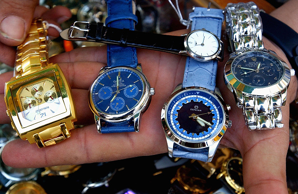 For Sale「Counterfeit Goods Flood Iraqi Market」:写真・画像(18)[壁紙.com]