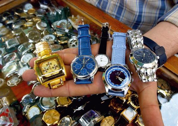 Imitation「Counterfeit Goods Flood Iraqi Market」:写真・画像(14)[壁紙.com]