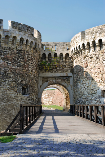 Built Structure「Tower gate of stone fortress in Belgrade」:スマホ壁紙(7)