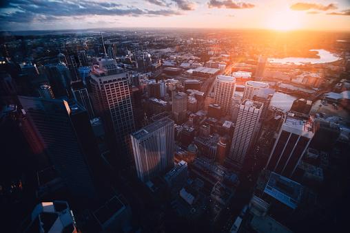 Unrecognizable Person「Sydney view」:スマホ壁紙(3)