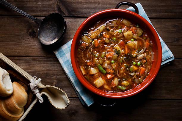 minestrone soup on the pot:スマホ壁紙(壁紙.com)