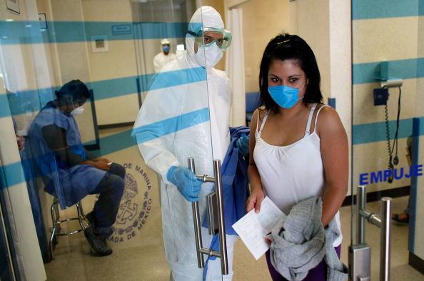 Mexico City「Swine Flu Fears Spread Throughout Mexico」:写真・画像(18)[壁紙.com]