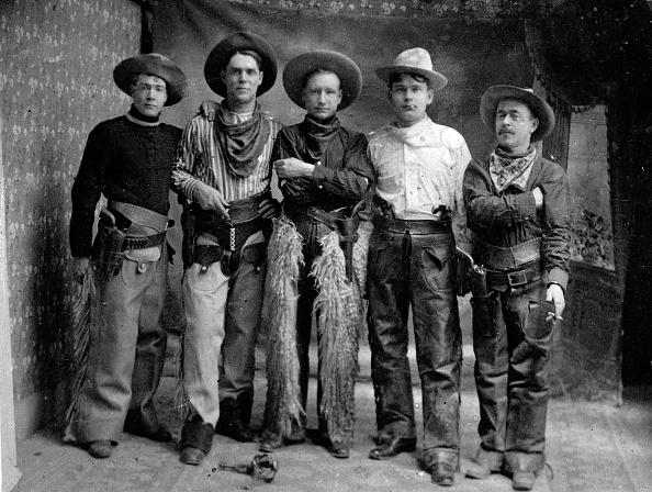 1900-1909「Gun Smokers」:写真・画像(2)[壁紙.com]