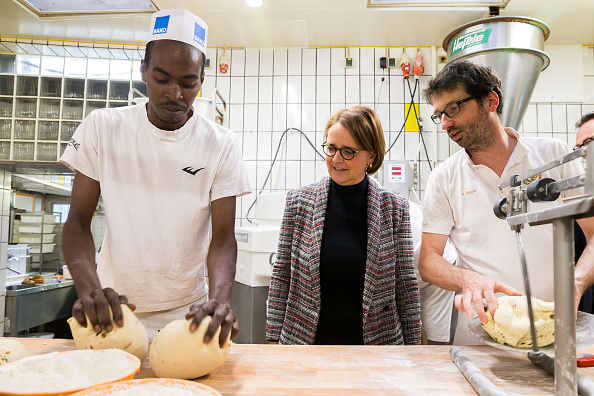 Employment And Labor「Refugees Find Employment In German Economy」:写真・画像(1)[壁紙.com]