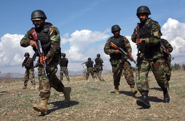 Army「Pakistani Army Patrols Taliban Stronghold On Afghan Border」:写真・画像(17)[壁紙.com]
