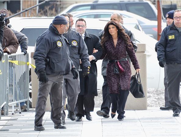 Hiding「Teresa And Joe Giudice Court Appearance」:写真・画像(9)[壁紙.com]
