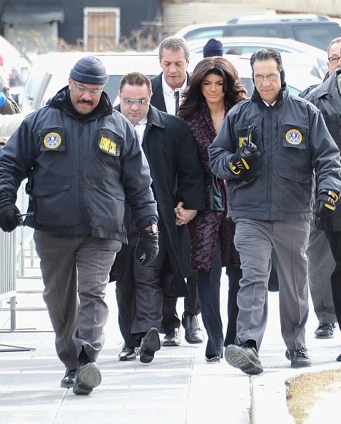 Hiding「Teresa And Joe Giudice Court Appearance」:写真・画像(6)[壁紙.com]