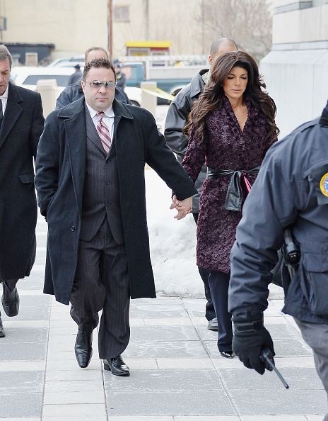 Hiding「Teresa And Joe Giudice Court Appearance」:写真・画像(13)[壁紙.com]