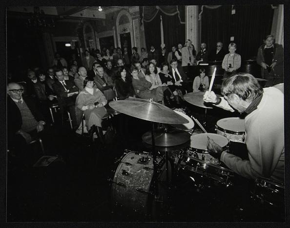 楽器「Louie Bellson conducting a drum clinic at the Horseshoe Hotel, London, November 1980. Artist: Denis Williams」:写真・画像(11)[壁紙.com]