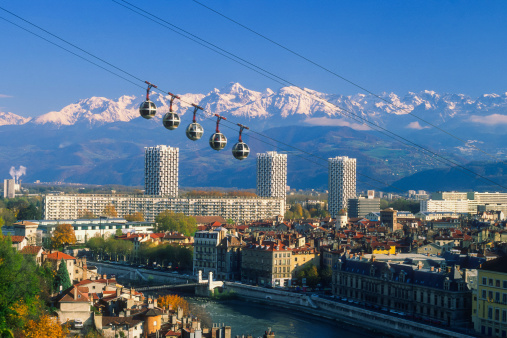 Curiosity「Grenoble cable car」:スマホ壁紙(9)