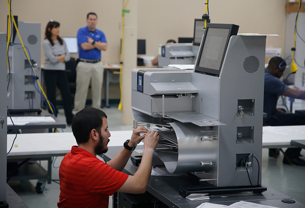 Machinery「Contentious Florida Midterm Election Results Remain In Question As Vote Recount Continues」:写真・画像(0)[壁紙.com]