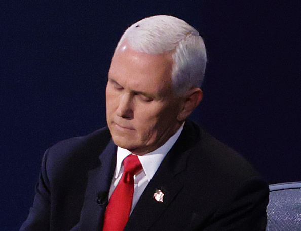 Mike Pence「Mike Pence And Kamala Harris Take Part In Vice Presidential Debate」:写真・画像(9)[壁紙.com]