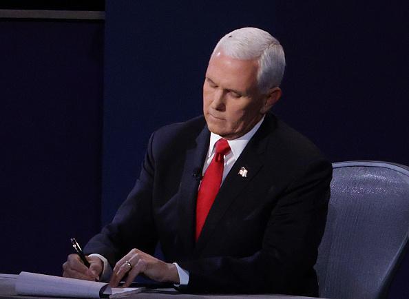 Vice President「Mike Pence And Kamala Harris Take Part In Vice Presidential Debate」:写真・画像(13)[壁紙.com]