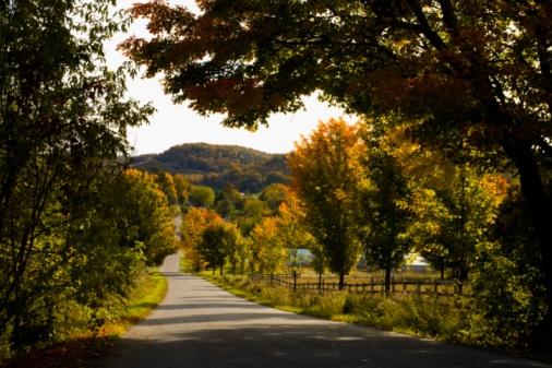 Eastern Townships「Rural road, Quebec, Canada」:スマホ壁紙(19)